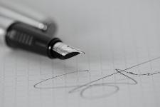 Como puedo firmar un contrato digital usando Internet